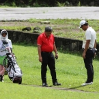 mondilla troubled in hole 9 looking in rules officials