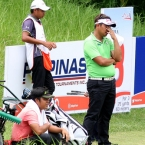 1.mondilla and alido looking tired waiting in hole 8