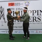 champion of 2017 ictsi Phil masters,villamor,clyde mondilla recived the awrds and trophy by ltgen edgar r.fallorina,afp commanding general,paf